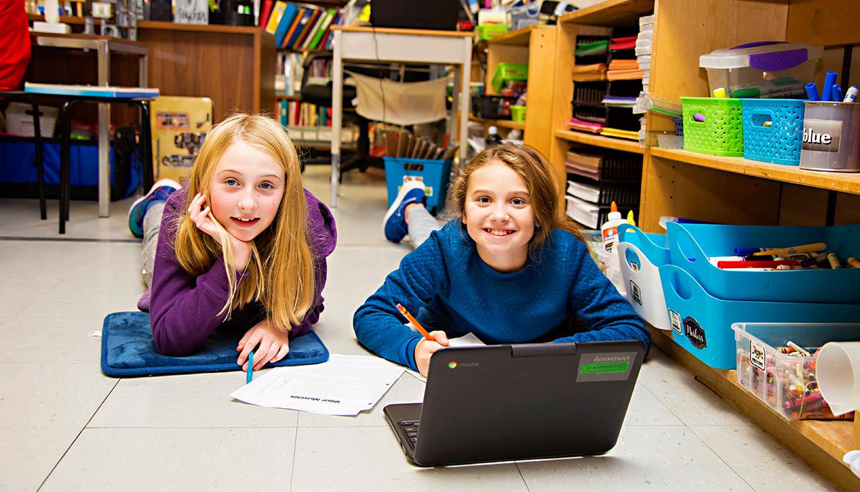 St.-Aloysius905-students-at-laptop